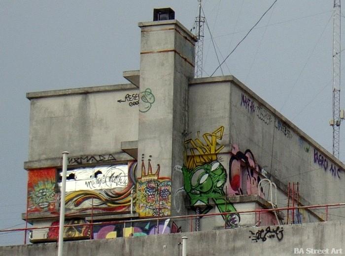 buenos aires graffiti tour buenosairesstreetart.com rooftoop graffiti tags