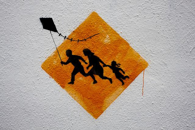 banksy kite Boyle Heights los angeles buenosairesstreetart.com BA Street Art