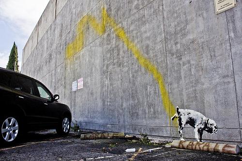 Banksy buenos aires dog urinating Beverley Hills los angeles buenosairesstreetart.com