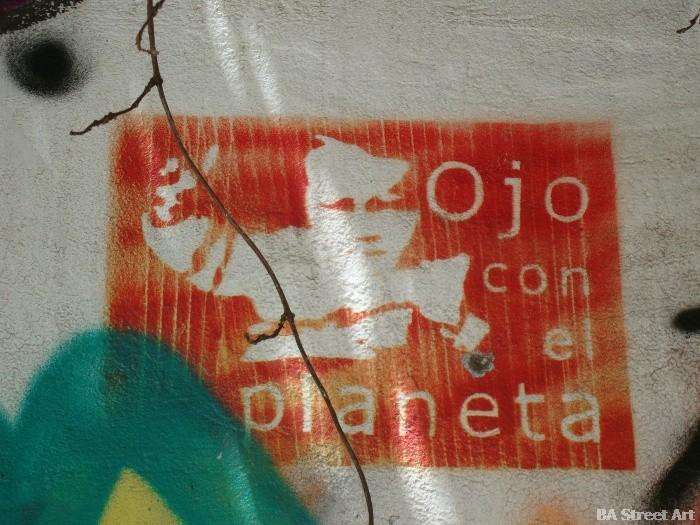 international earth day ojo con el planeta buenos aires street art © buenosairesstreetart.com