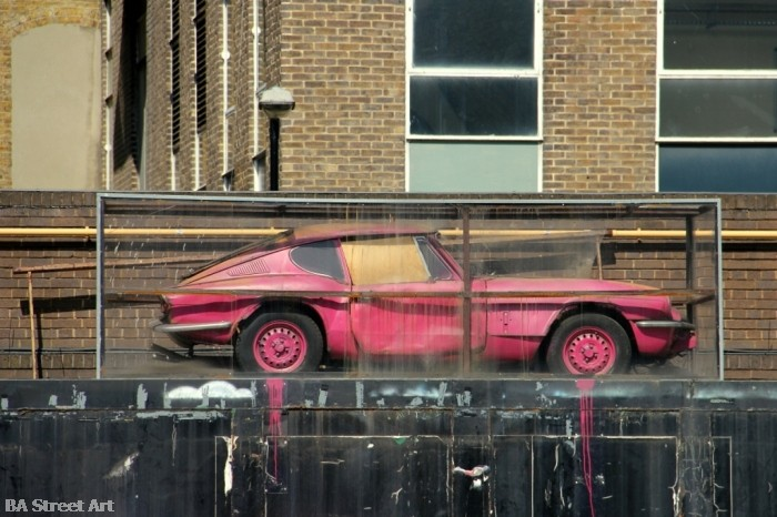 Banksy car shoreditch london © buenosairesstreetart.com BA Street Art Tours