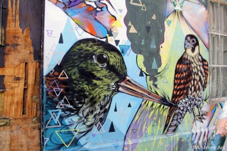Valparaiso street art Charquipunk and La Robot de Madera graffiti chile buenosairesstreetart.com