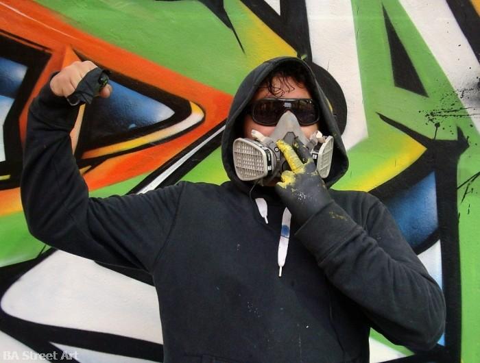graffiti buenos aires street art dame © buenosairesstreetart.com