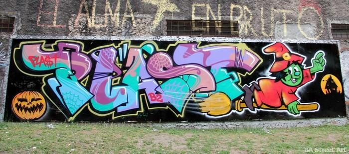 halloween graffiti buenos aires street art tour buenosairesstreetart.com - Copy