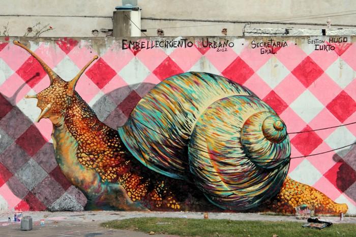 snail graffiti martin ron murales buenos aires street art buenosairesstreetart.com BA Street Art Tours