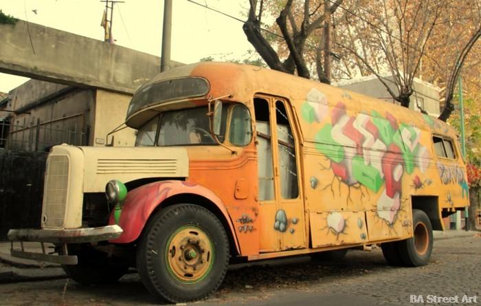 buenos aires graffiti tour nerf cubes street art  buenosairesstreetart.com bus