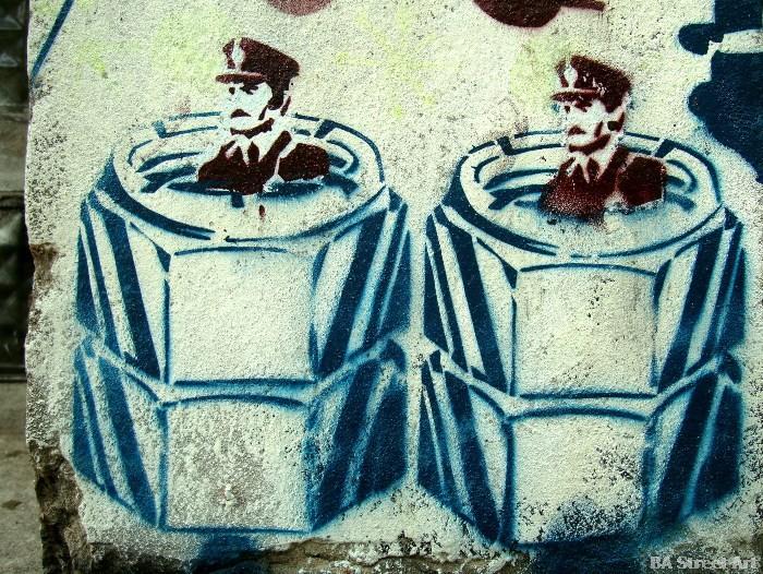 graffiti buenos aires jorge videla dictadura militar argentina dictatorship graffiti secuestro buenosairesstreetart.com