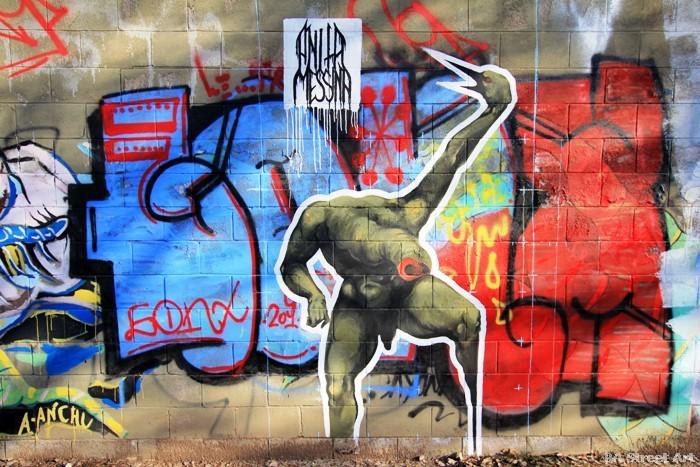 Street artist pays tribute to beastie boys 39 adam yauch for Beastie boys mural