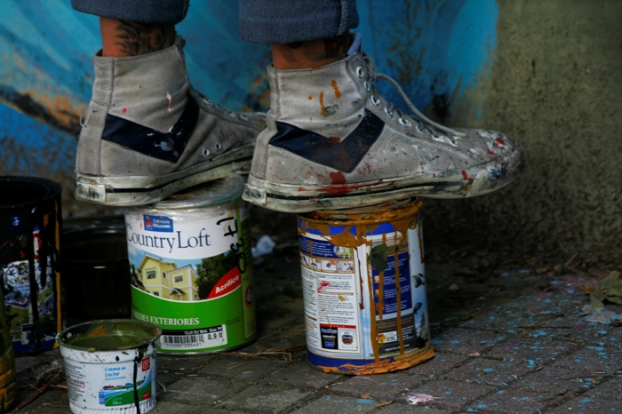 painting in the street buenos aires arte urbano zig zag la plata buenosairesstreetart.com adri godis fotos
