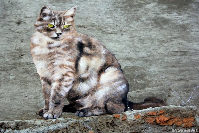 no touching ground cat intervention street art buenos aires buenosairesstreetart.com